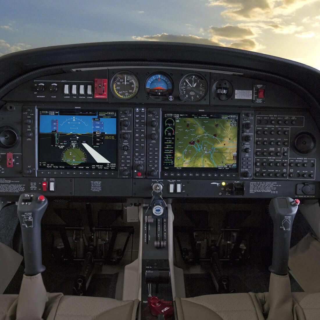 csm_DA40_NG_Cockpit_Garmin_NXi_5f3af12094